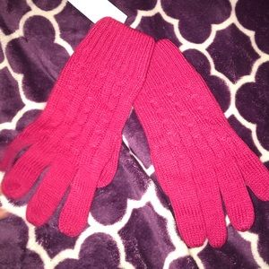 Hot pink cable knit gloves
